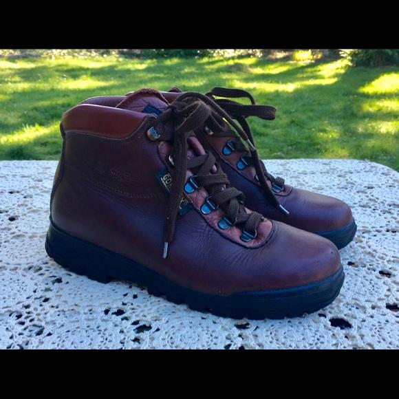 1962285fbba Wm 90s VASQUE Leather Hiking Boots Skywalk GoreTex